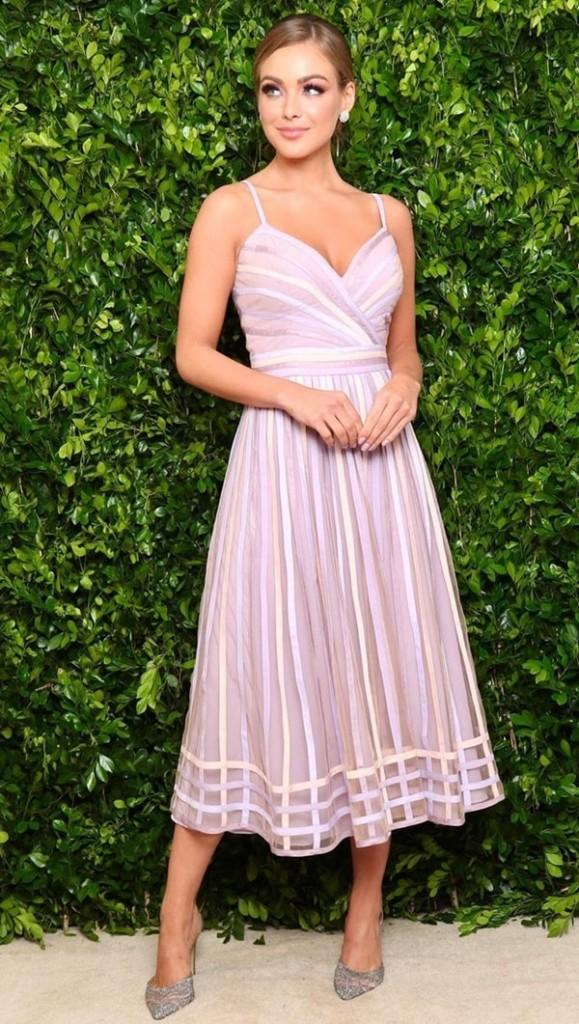 vestido midi lilás