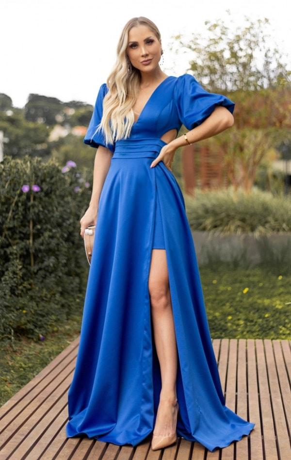 vestido longo azul bic com mangas bufantes curtas