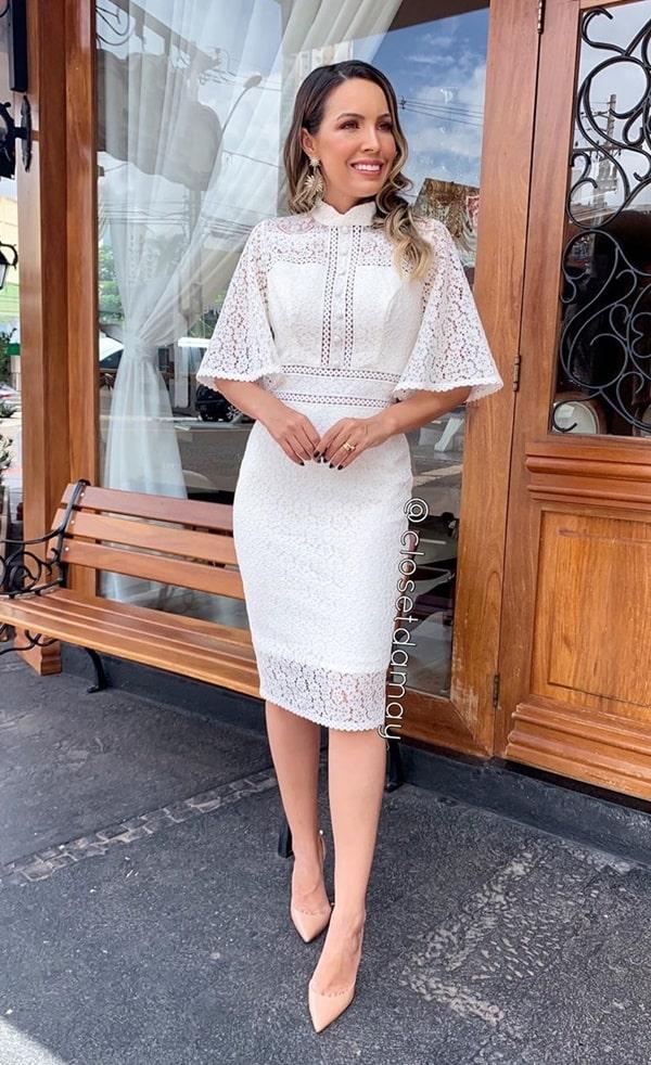 vestido branco midi de renda com manguinhas