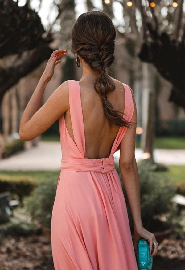 cor de bolsa para usar com vestido coral ou pêssego